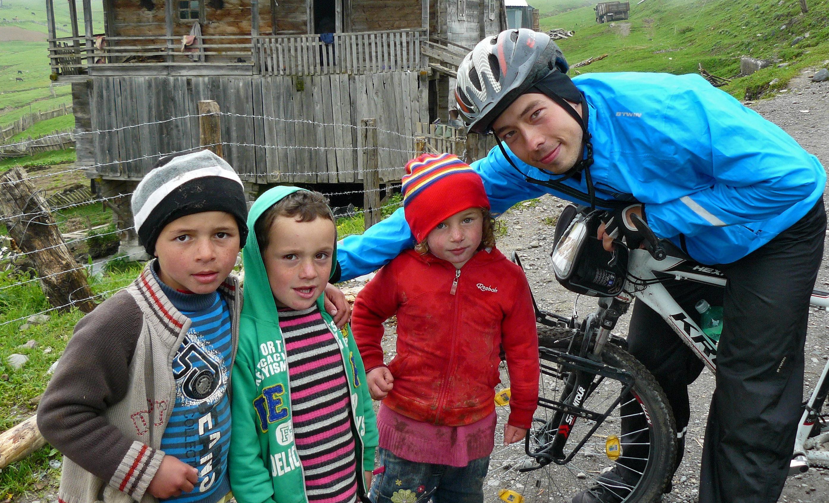 Przez kaukaską przełęcz Goderdzi i wioski pasterskie