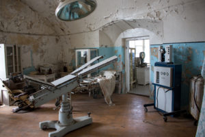 old_machinery_in_patarei_prison_surgery_room_estonia