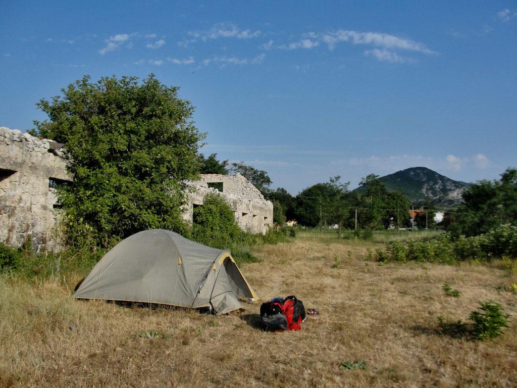 Biwak, nocowanie w namiocie na dziko. Czarnogóra