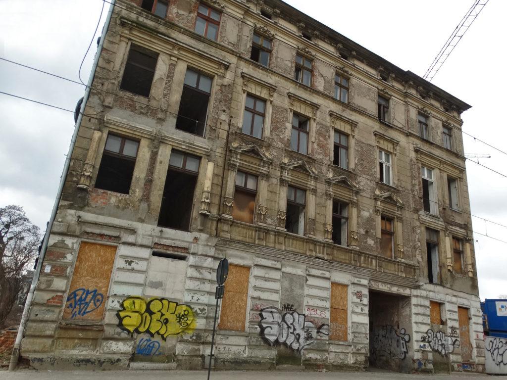 Łódź - stara, opuszczona kamienica. Kilińskiego