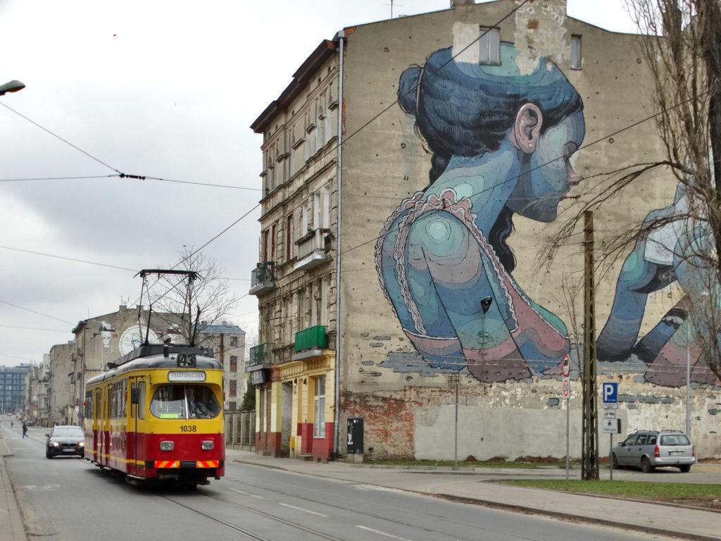 Łódź mural z tramwajem 43