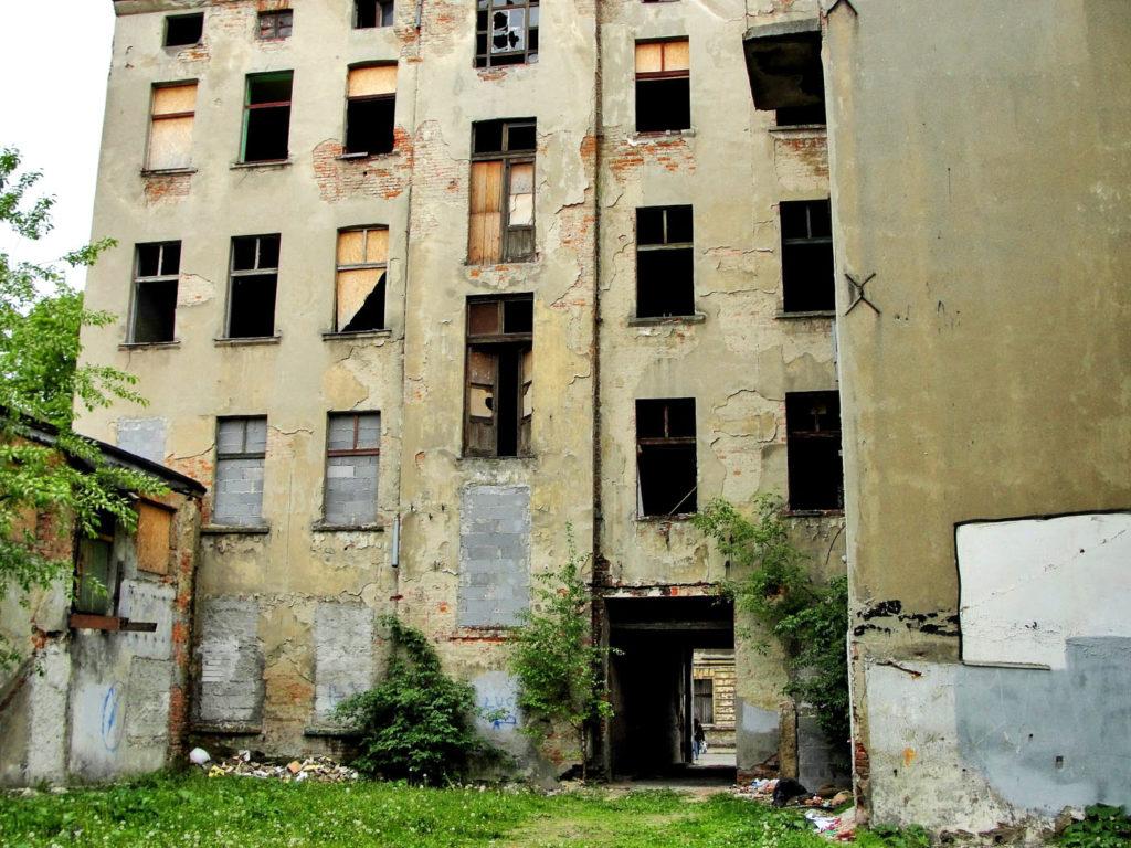 Łódź - stara, opuszczona kamienica