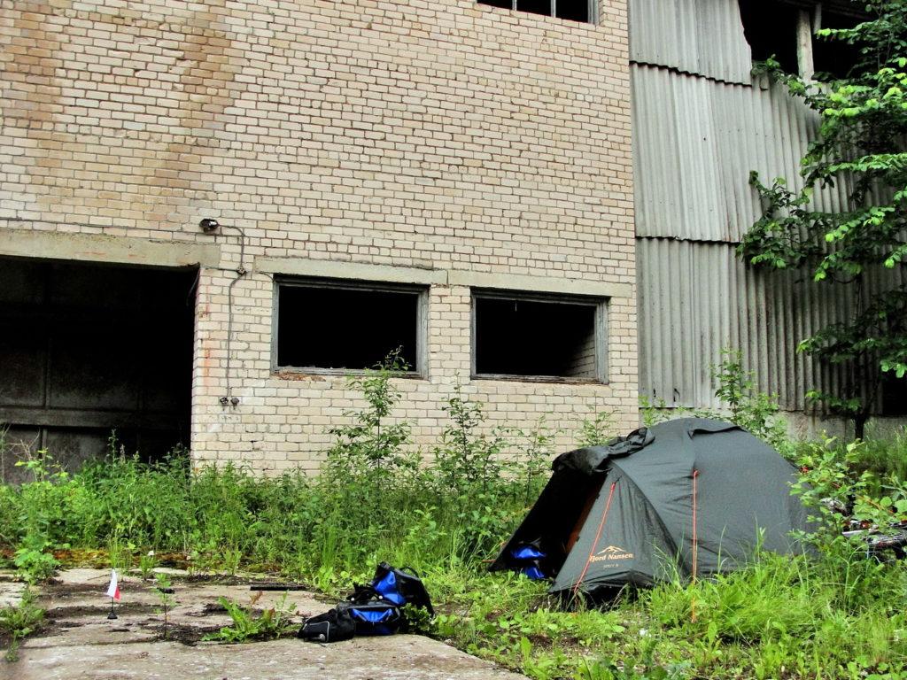 Biwak, nocowanie w namiocie na dziko. Łotwa