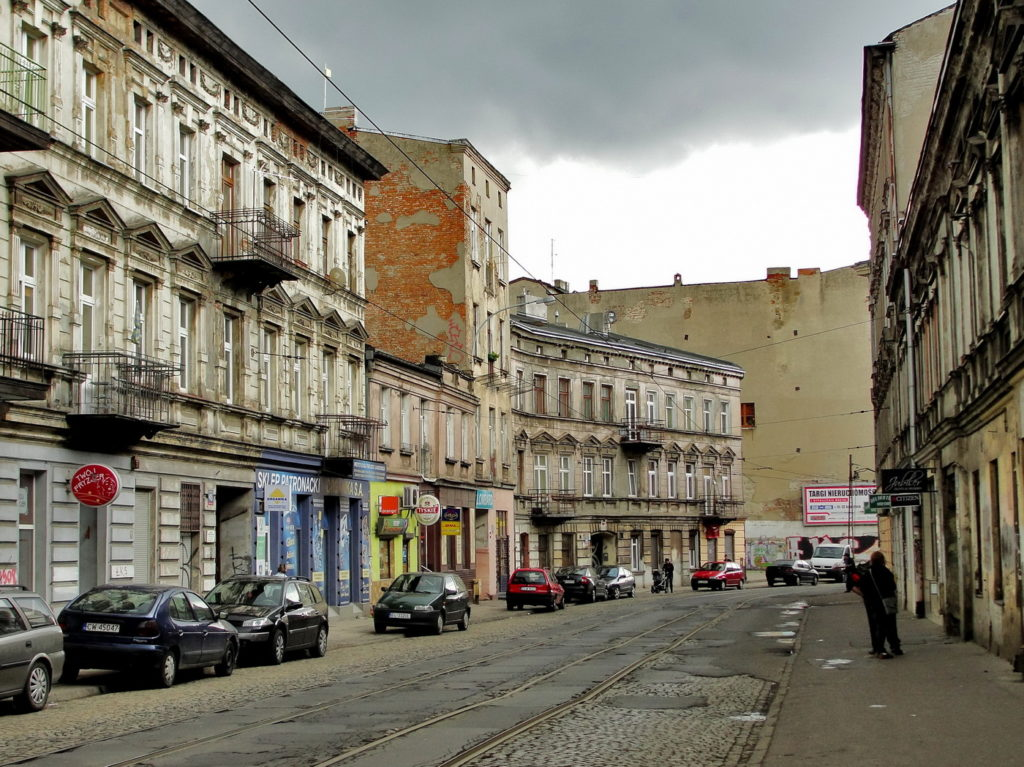Łódź - stare kamienice. Ulica Legionów