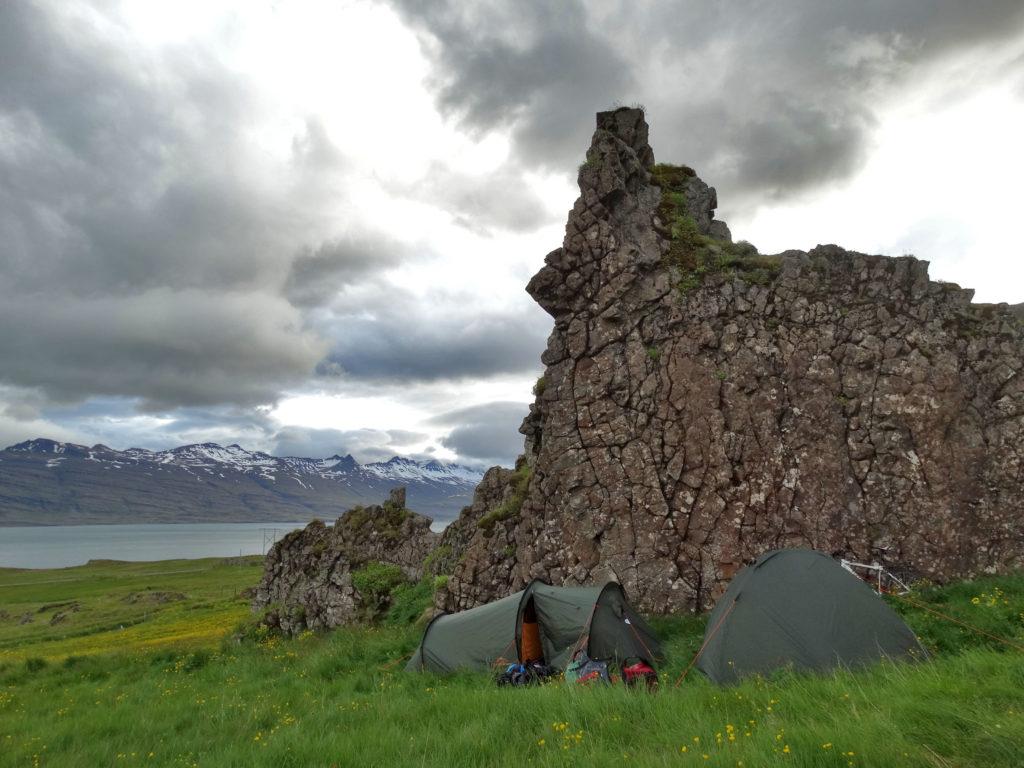 Biwak, nocowanie w namiocie na dziko. Islandia