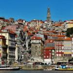 Porto - spacer labiryntem brukowanych uliczek wprost do winiarni