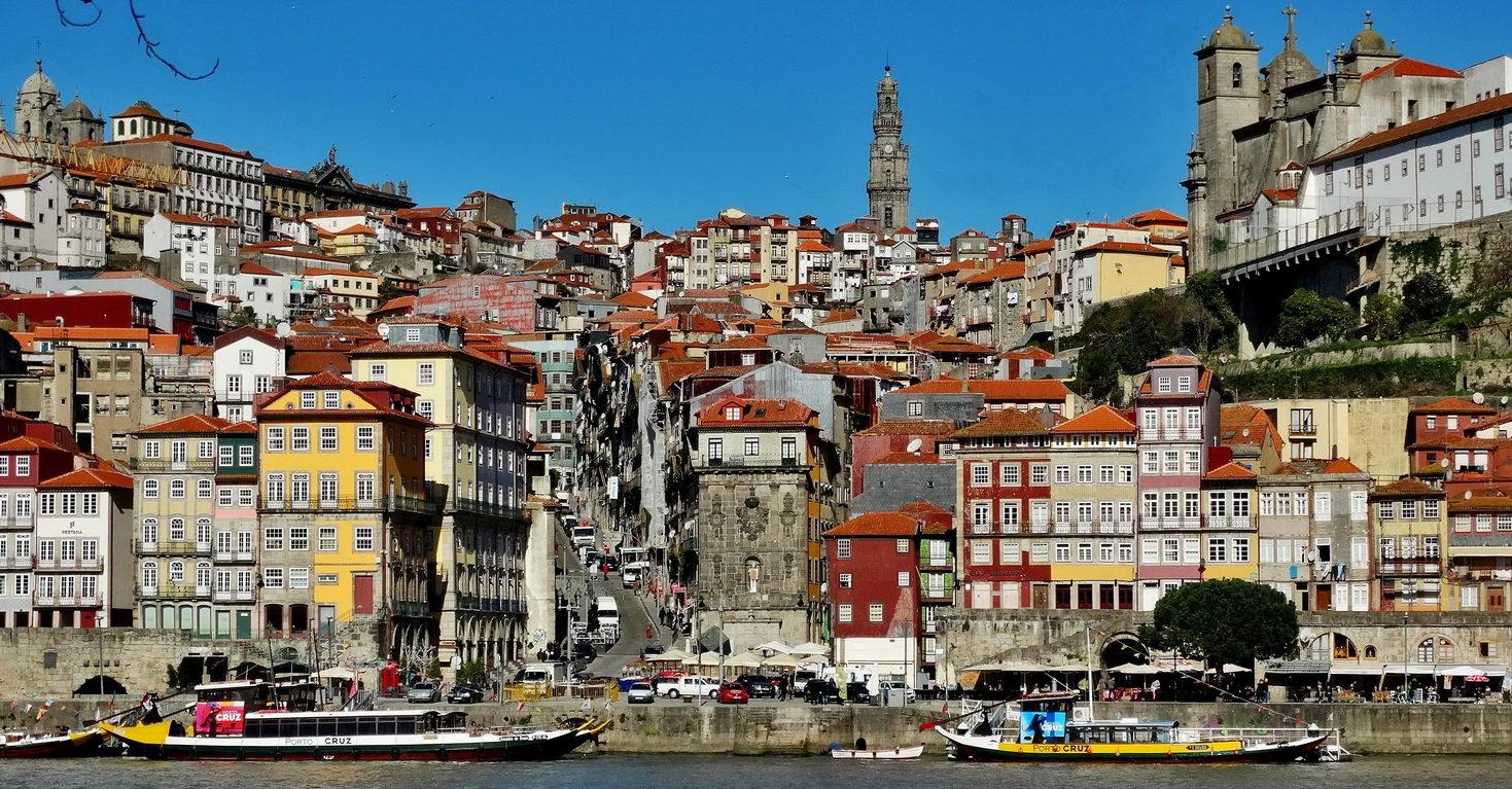 Porto – spacer labiryntem brukowanych uliczek wprost do winiarni