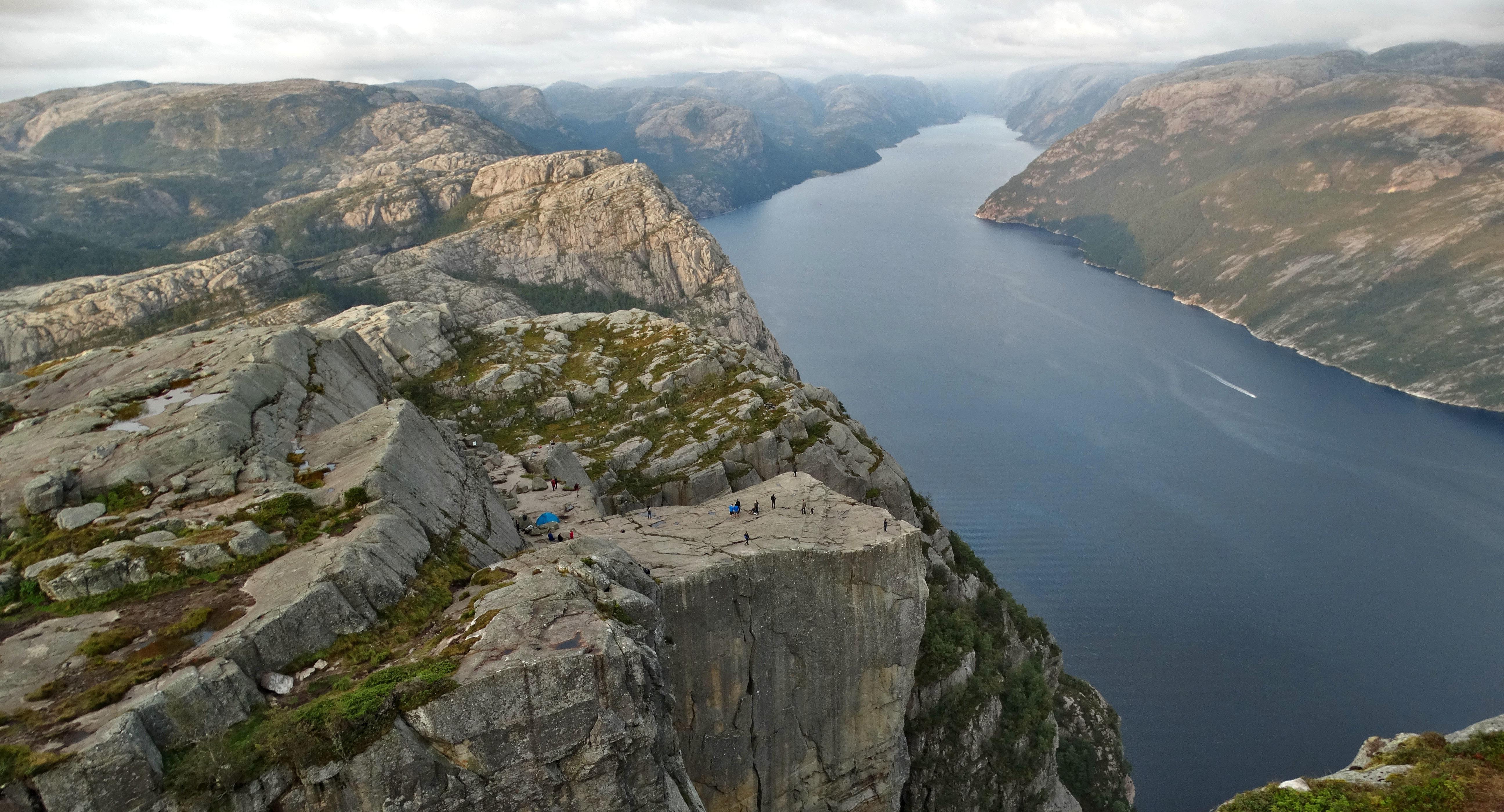 W drodze na Preikestolen – jedno z najbardziej znanych miejsc w Norwegii!
