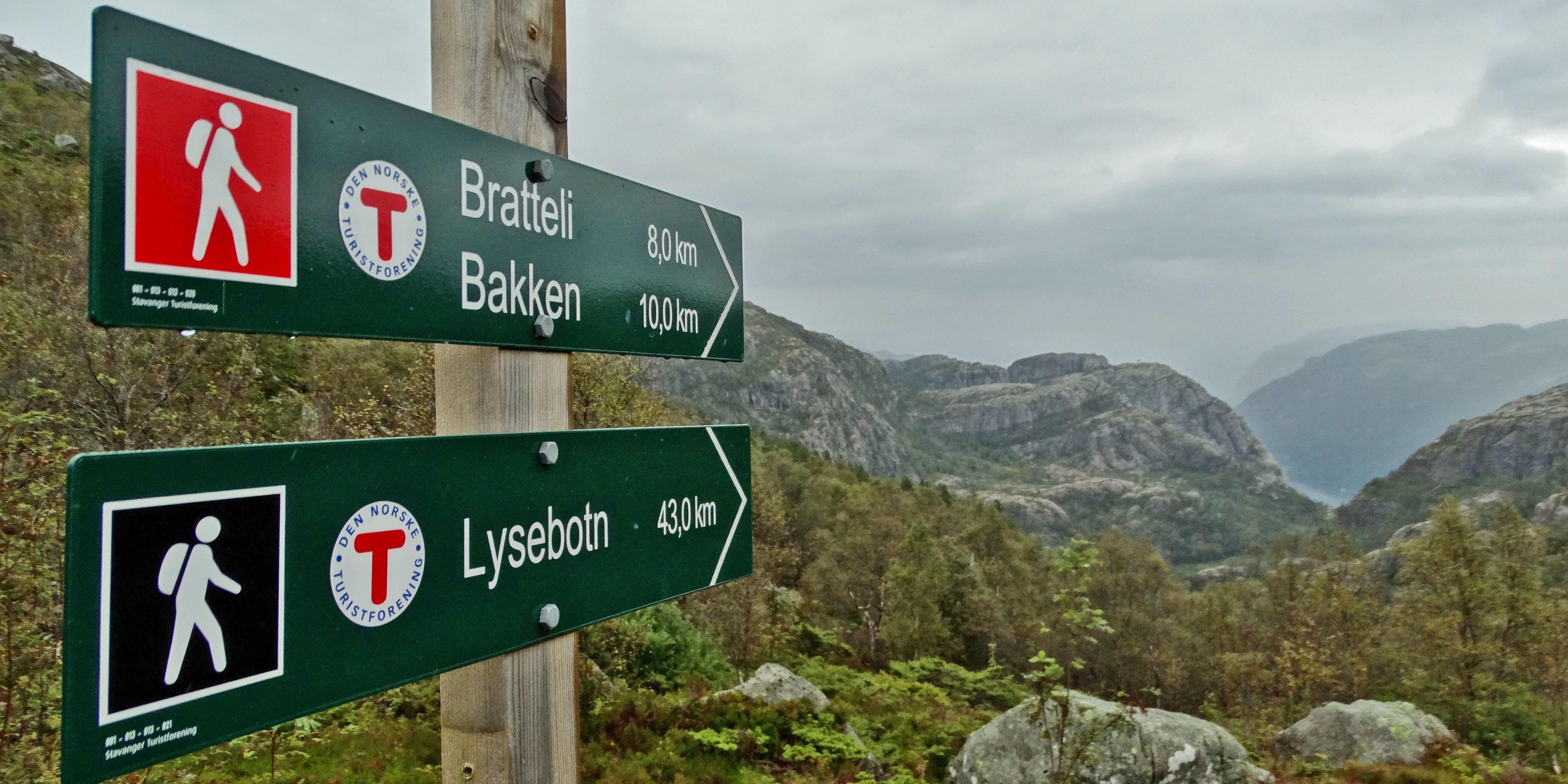 Szlakiem w kierunku Bratteli i Songesand. Dzika ścieżka z dala od turystów