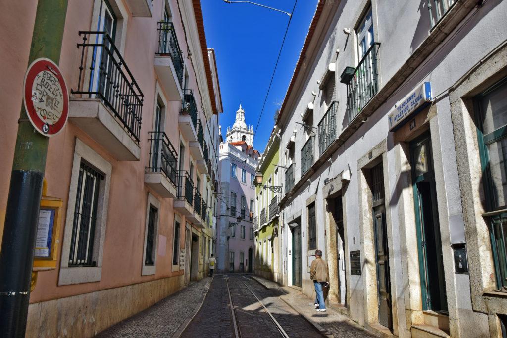 Tramwaje w Lizbonie - trasa poprowadzona w Alfamie.
