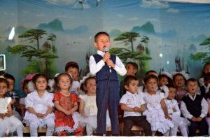 Tadżykistan: Obchody dnia dziecka w szkole