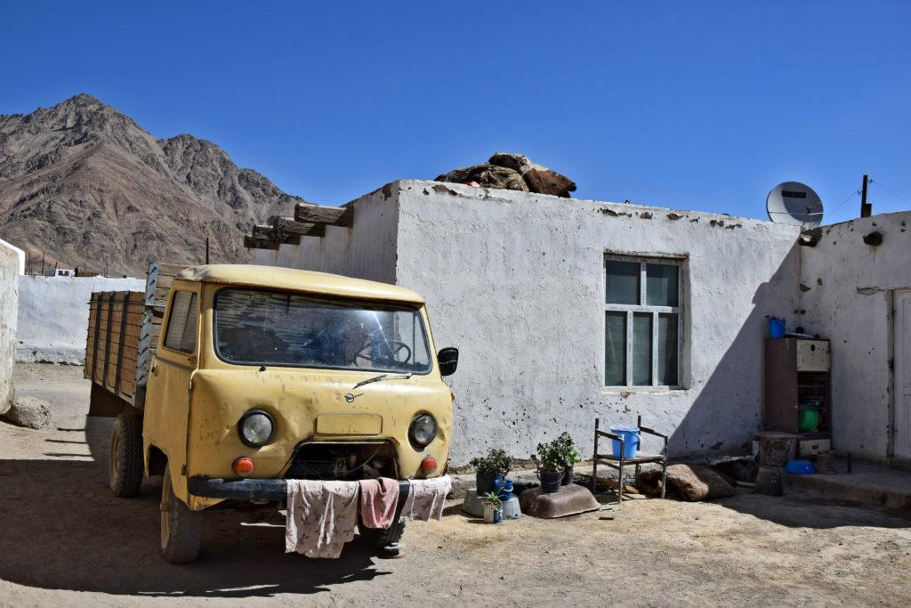Murgob, Pamir Highway. UAZ