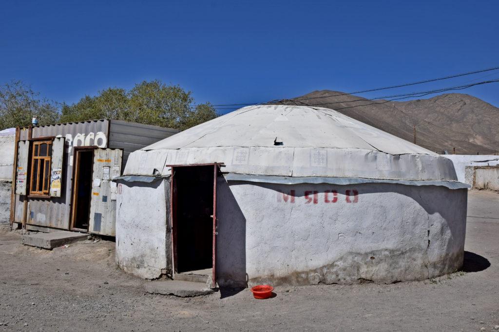 Pamir Highway, Murgob jurta bazar mięso