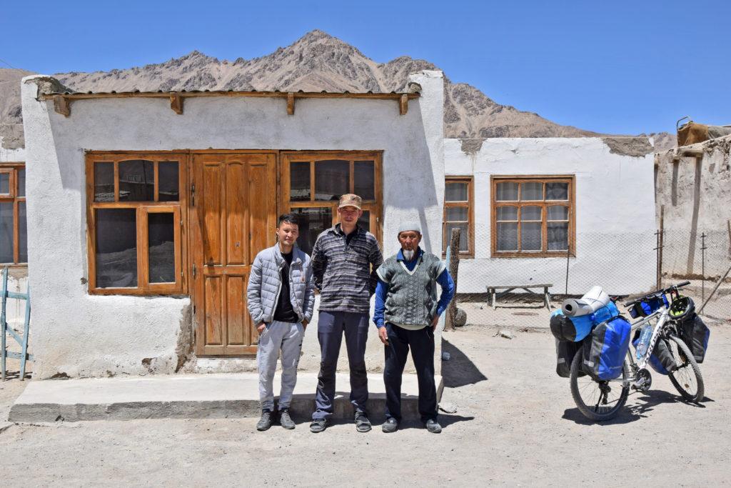 Murgob, Pamir Highway. Kirgizi, u których zostaliśmy ugoszczeni iście po królewsku.