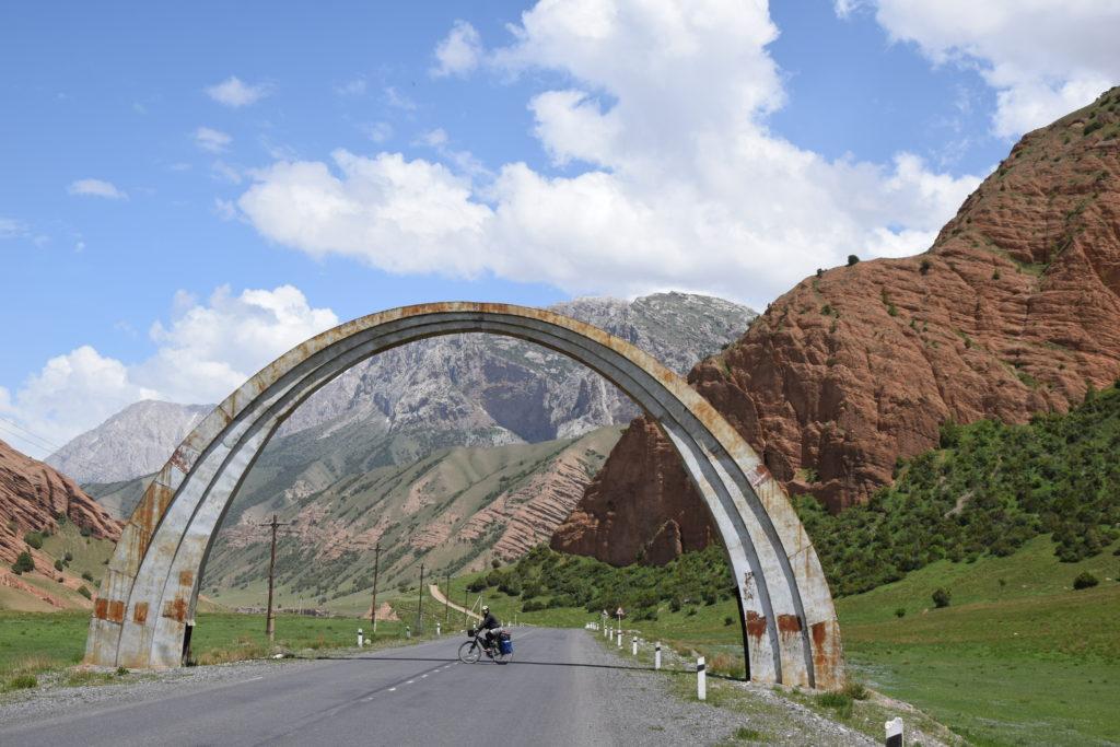 Kirgistan góry wyprawa rowerowa