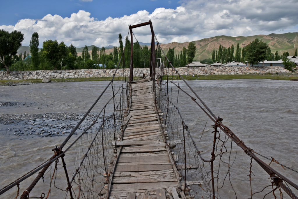 Kirgistan mostek Gulcza