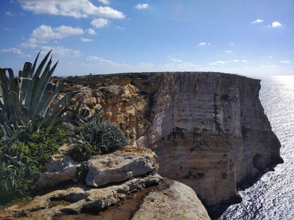 Malta, Gozo - Ta Cenc klify. Najpiękniejsze miejsca i atrakcje