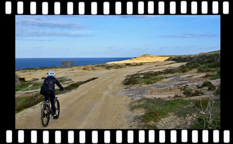 Gozo rowerem. Pozostałości Azure Window i historyczne solniska [VLOG]