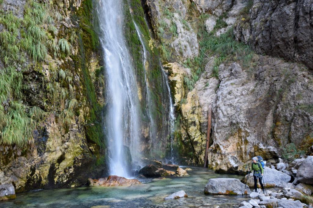 Theth, Albania. Wodospad Grunasi - polecam przyjść w to miejsce wcześnie rano.