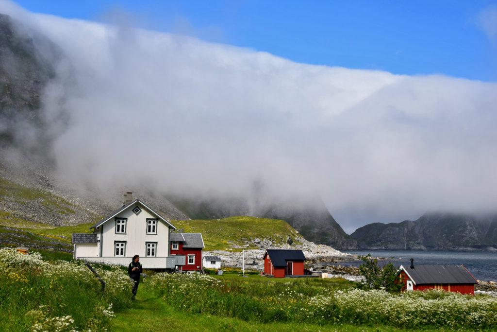Norwegia, wyspa Vaeroy, Lofoty. Måstad. Kiedyś mieszkało tu kilkaset osób, dziś zostało zaledwie parę - wyłącznie sezonowo.