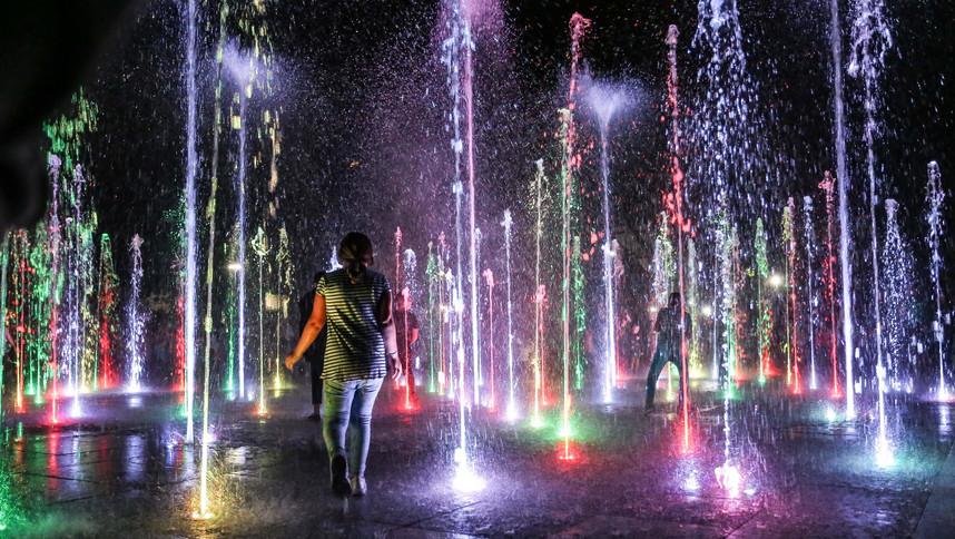 Warszawa, park Szymańskiego (fontanny).