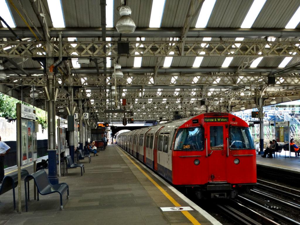 Metro w Londynie - stary pociąg