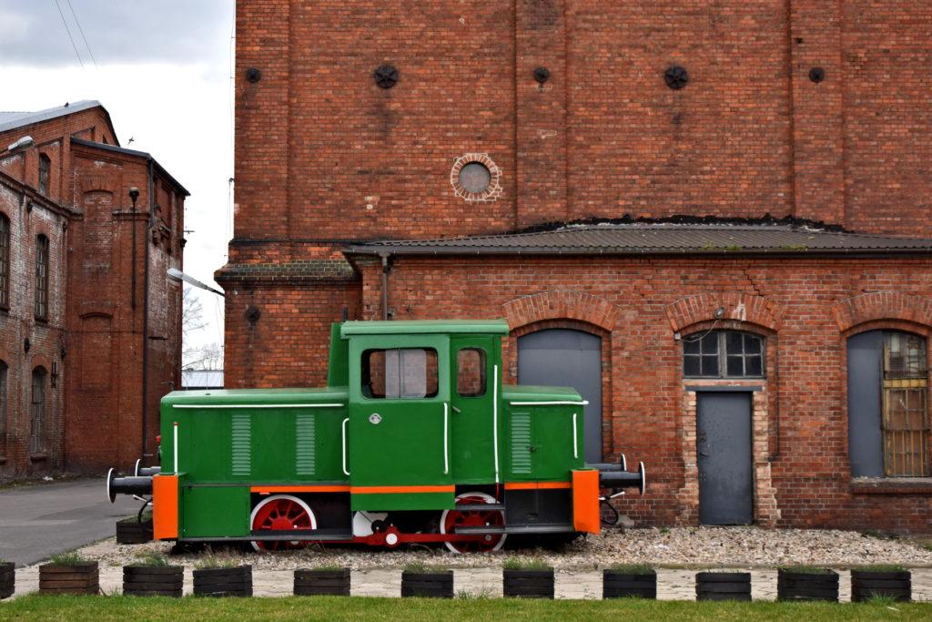 Żyrardów. Muzeum Lniarstwa, lokomotywa.