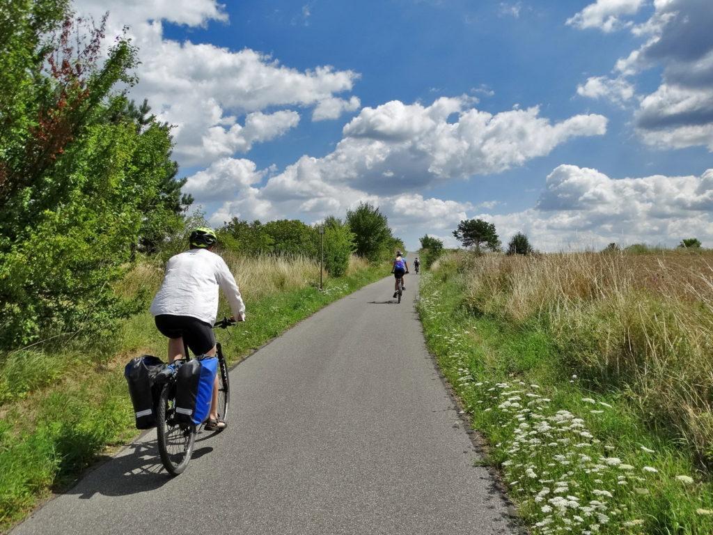 """Jura Krakowsko-Częstochowska, to wycieczka """"testowa"""", którą odbyliśmy z Jankiem przed miesięczną wyprawą szlakiem Pamir Highway. Poznaliśmy się na forum rowerowym, a rok później zrealizowaliśmy wspólne marzenia - było wspaniale!"""
