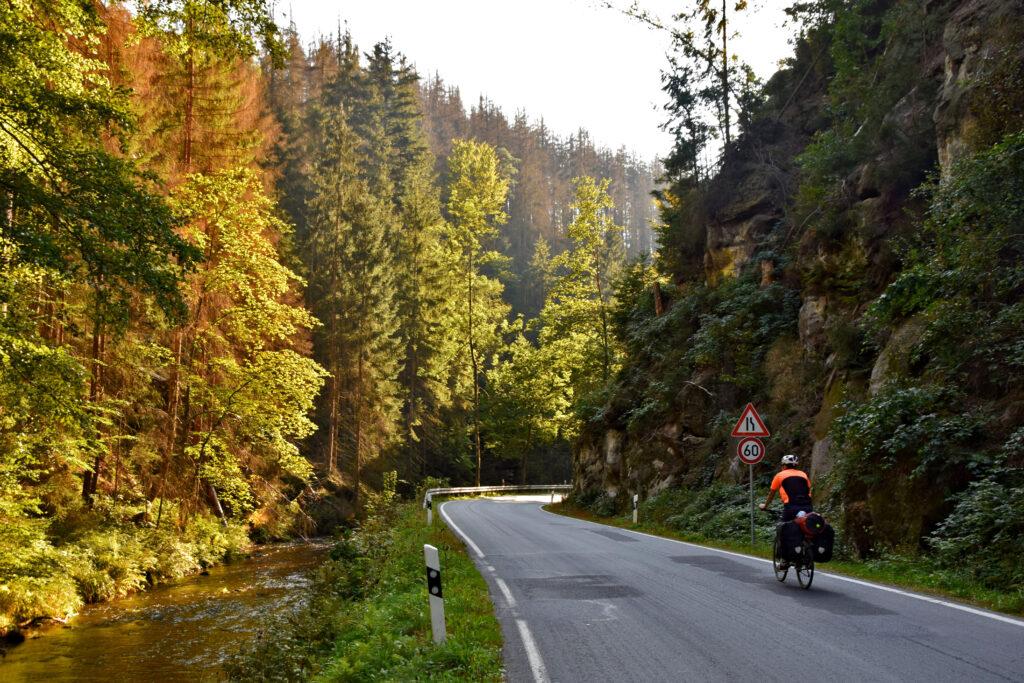 Saksońska Szwajcaria: W drodze z Saupsdorf do Bad Schandau.