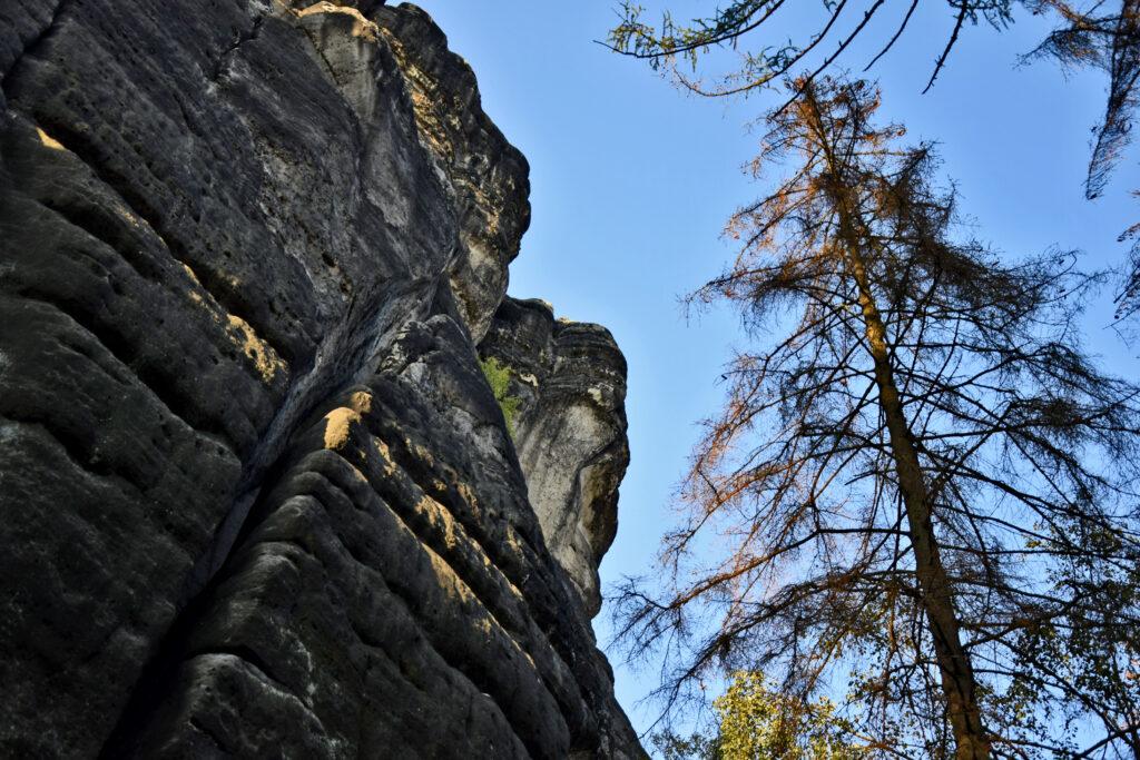 Skalne miasto Kuhstall - saksońska szwajcaria Niemcy