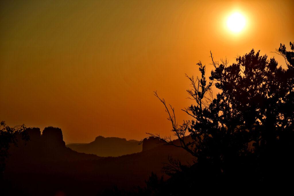 Zachód słońca, saksońska szwajcaria Niemcy