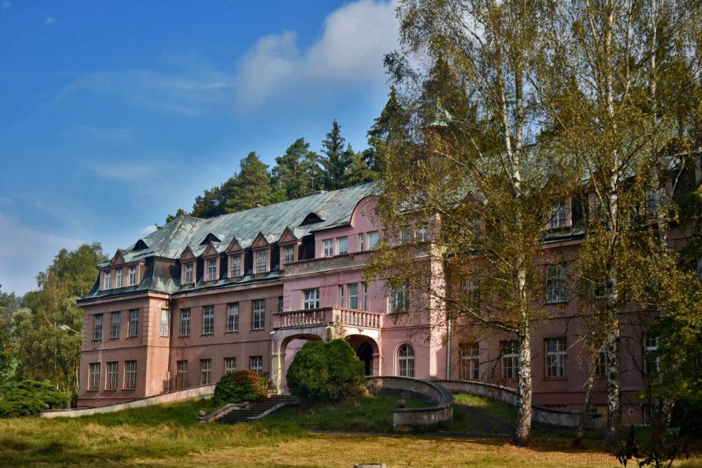 Jetřichovice - opuszczony pałac.Czeska Szwajcaria
