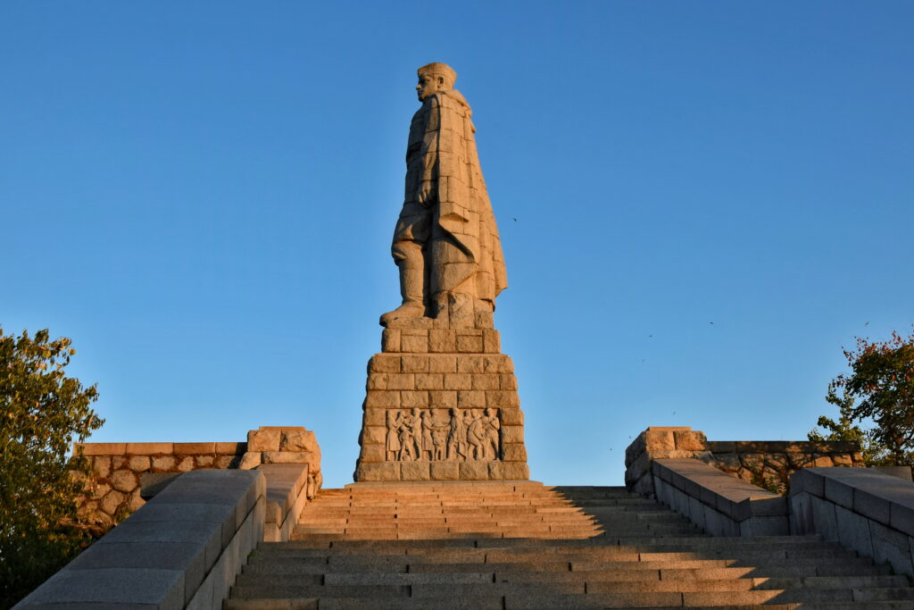 Wzgórze Bunarjik (Bunardżik) w Plovdiv (Płowdiw). Alosza - pomnik wyzwolenia - Liberator of Plovdiv