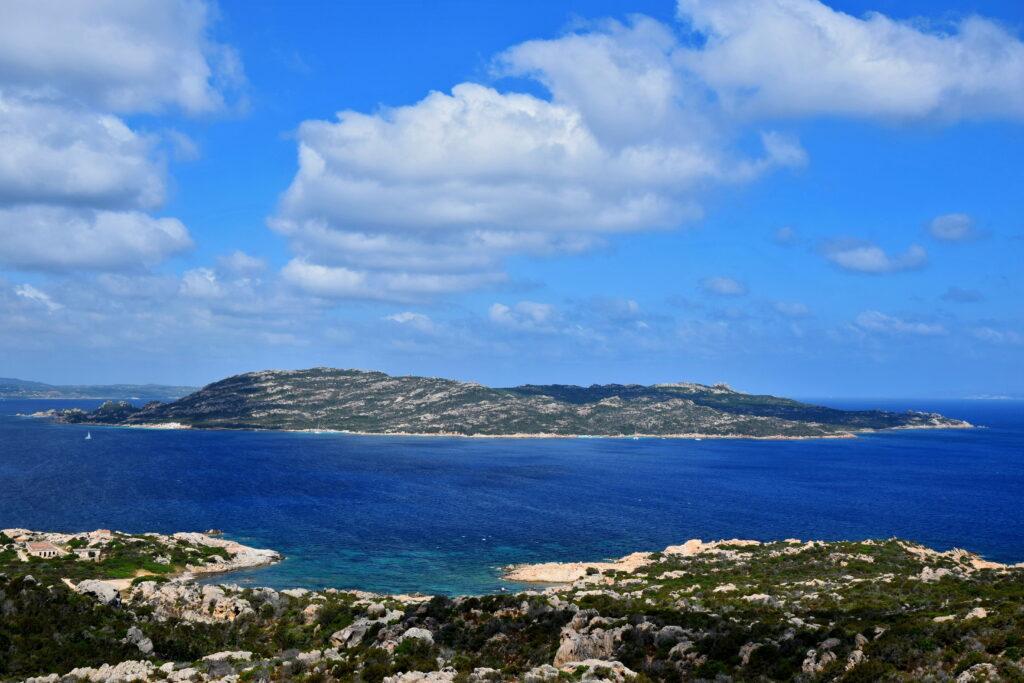 La Maddalena widok wyspa, Sardynia. Isola Spargi