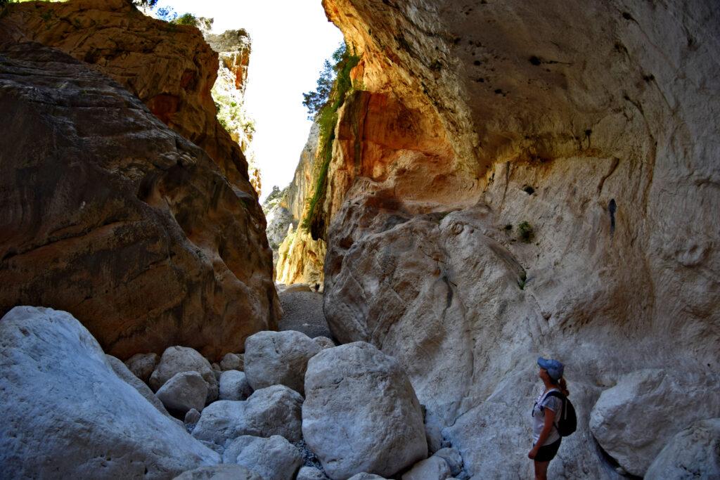 Wąwóz kanion Su Gorropu Sardynia szlak trasa żółta