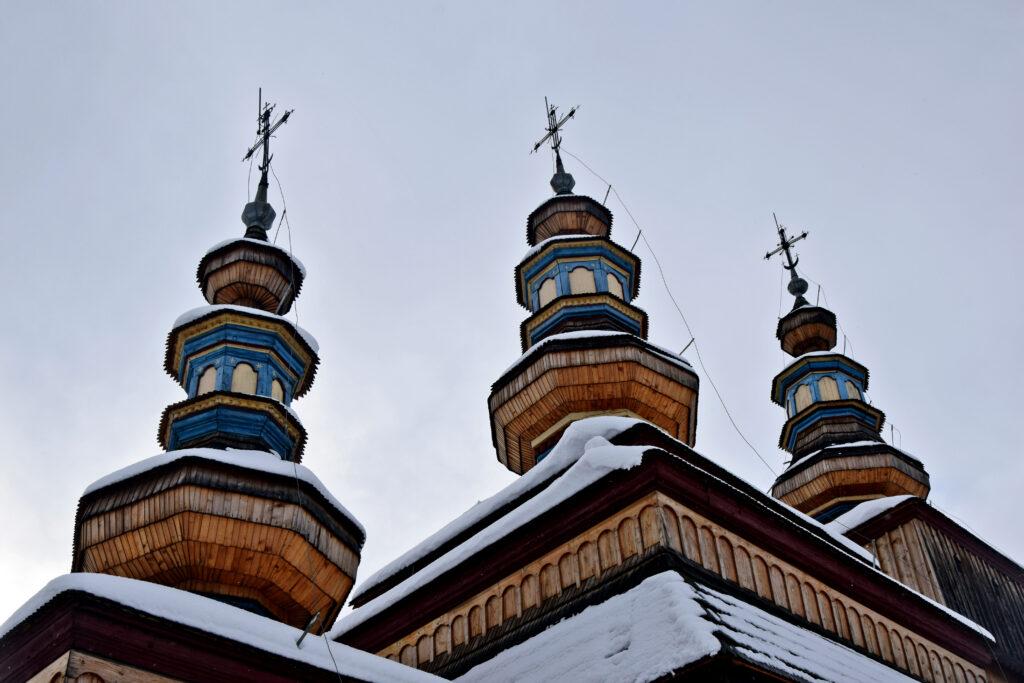 Cerkiew w krempnej - architektura drewniana beskidów