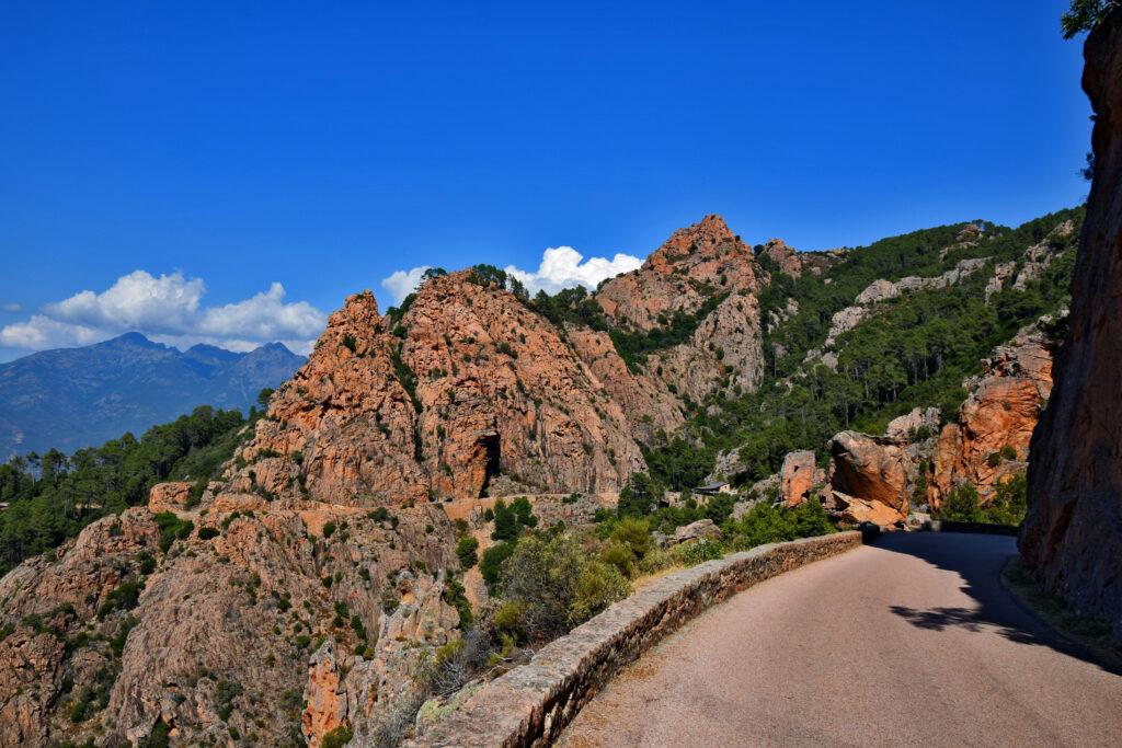 Calanques de Piana Korsyka - najpiękniejsza droga, czerwone skały