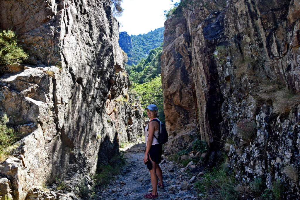 Korsyka trekking wąwóz spelunca Porto