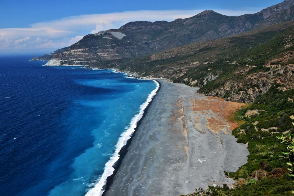 Cap Corse plaża czarna Nonza.