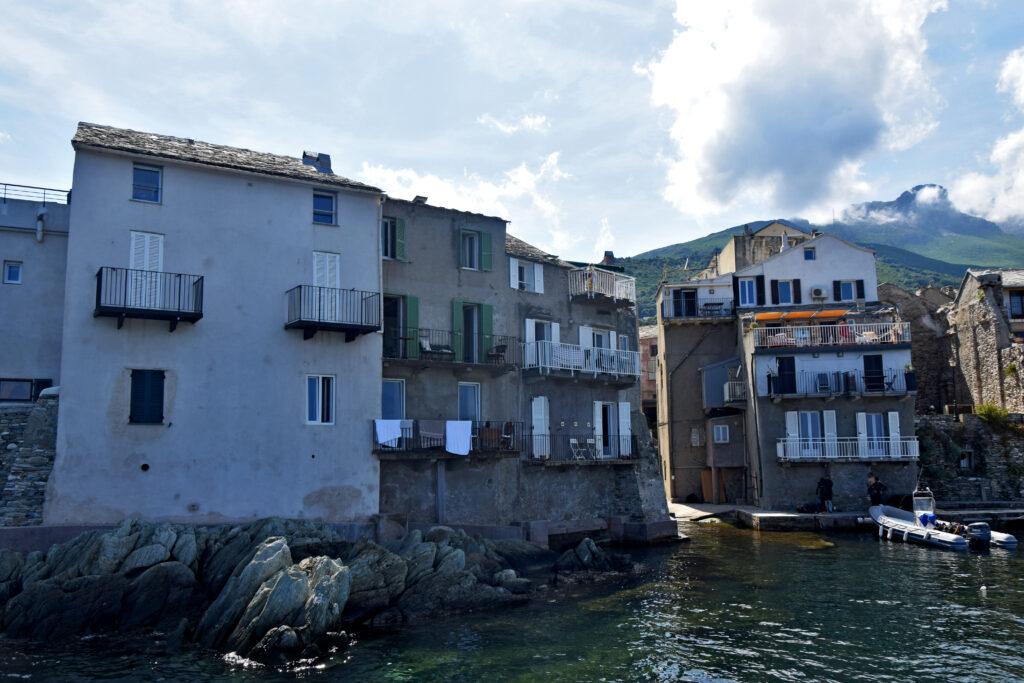 Erbalunga kamienice, Cap Corse atrakcje. Korsyka