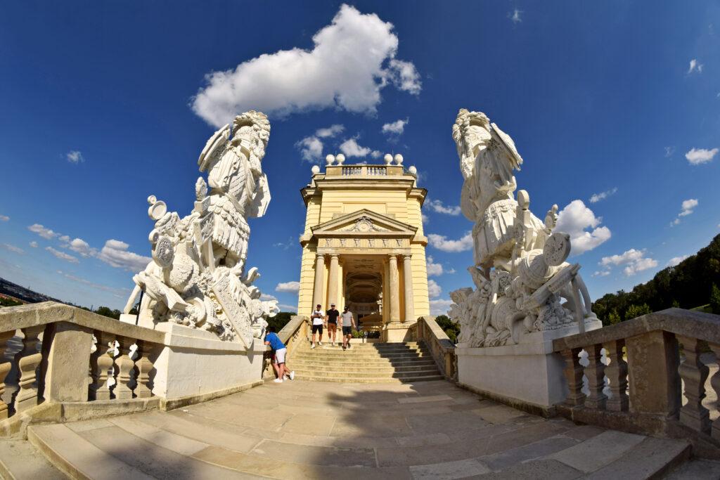 Pałac Schönbrunn ogrody Wiedeń atrakcje Glorietta