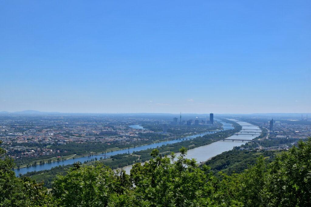 Kahlenberg i Leopoldsberg widok na Wiedeń punkt widokowy atrakcje