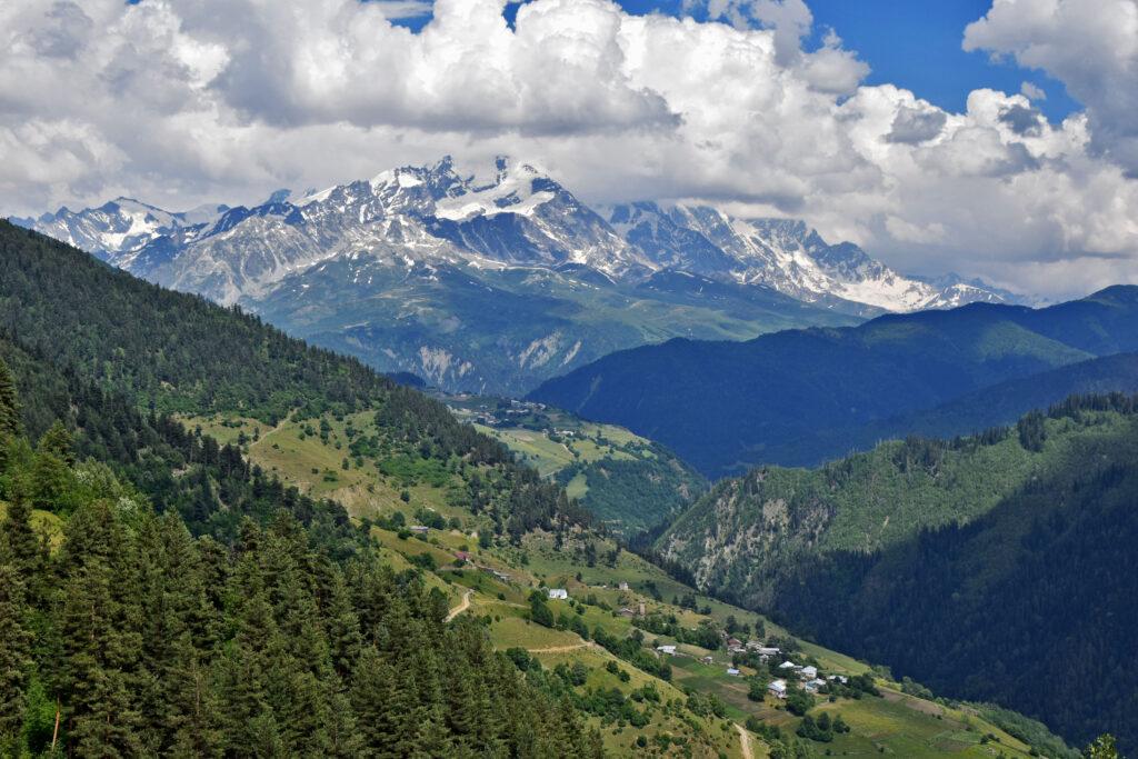 Swanetia, Mestia, trekking Mestia-Ushguli . Ieli