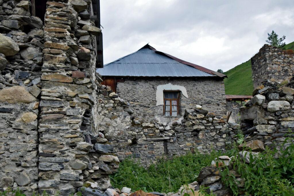 Adishi - Swanetia - trekking z Mestii do Ushguli.