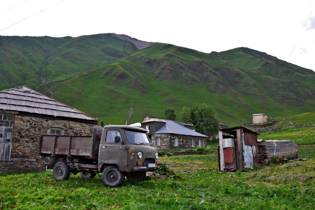 UAZ 452 Gruzja Kaukaz wychodek