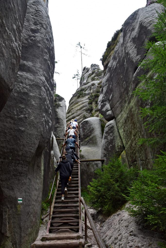 Czechy skalne miasto Adrspach, Adrspachskie skały drabinka