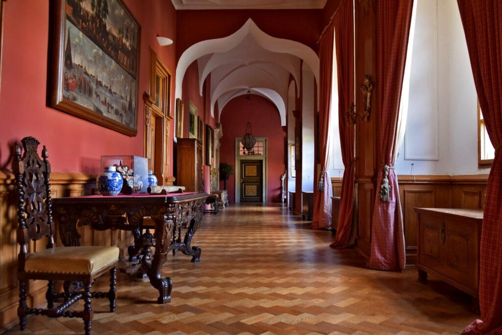 Castolovice zamek czechy. Najpiękniejsze czeskie zamki korytarz
