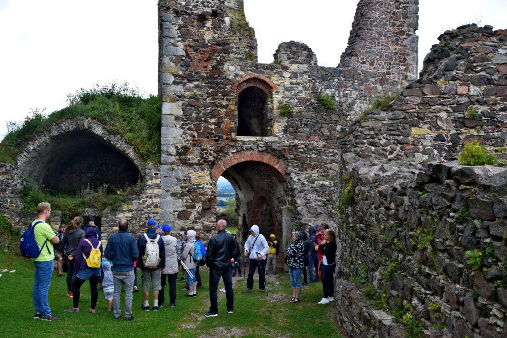 Zamek Potštejn - dziedziniec. Czeskie zamki
