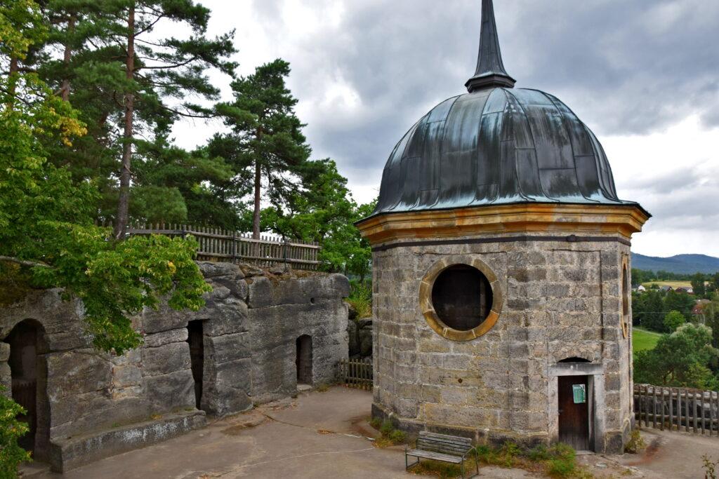 Zamek sloup w cechach - barokowy kościół. Czeskie zamki